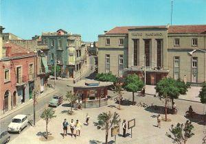 Foto storica del vecchio teatro mandanici in P.zza S.Sebastiano